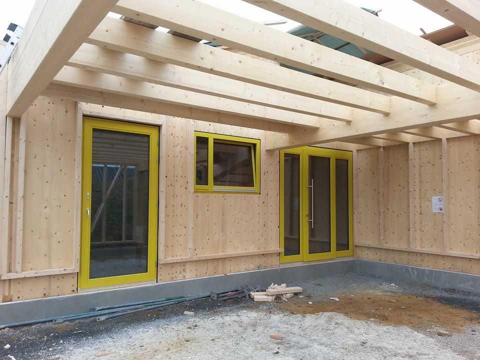 holzfenster-gelb-lackiert-3